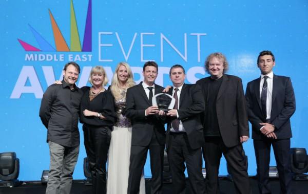 "Freuen sich über den Middle East Event Award als ""Supplier of the Year"" (v.l.n.r.): Christian Eberlein, Karen Hargreaves (N&M Dubai), Nina Schlosser, Alex Ostermaier (N&M Deutschland), Rick Wade (N&M Dubai), Klaus Ostermaier (N&M Deutschland) und Jeff Daou (Vibes Events"