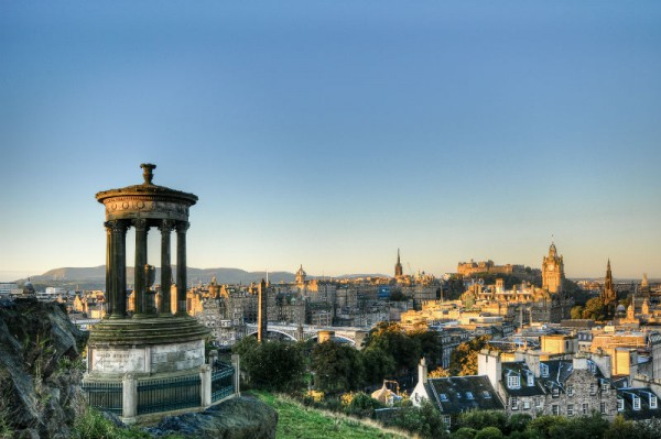 Edinburgh skyline (2)-w800-h600