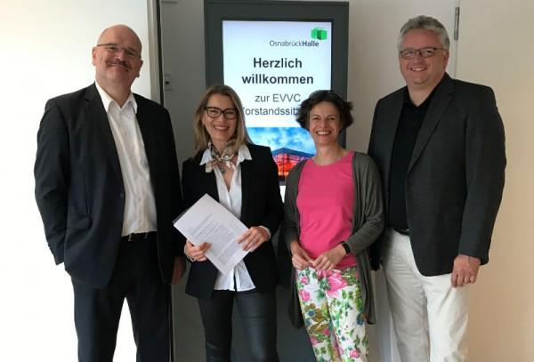 Freuen sich auf die Zusammenarbeit: Joachim König (Präsident), Cordula Riedel, Ilona Jarabek (Vizepräsidentin), Stephan Lemke (Schatzmeister) - v.l.n.r. Foto: EVVC
