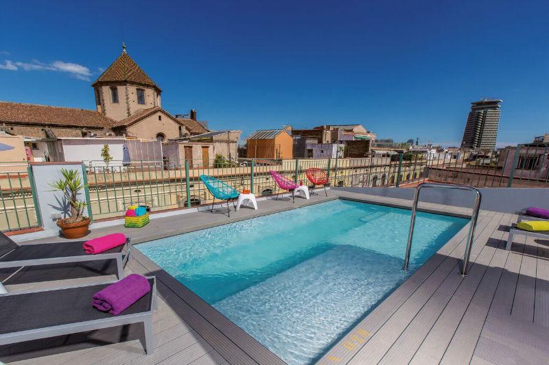 Pool_Leonardo Hotel Barcelona Las Ramblas (c) Leonardo Hotels-w800-h600