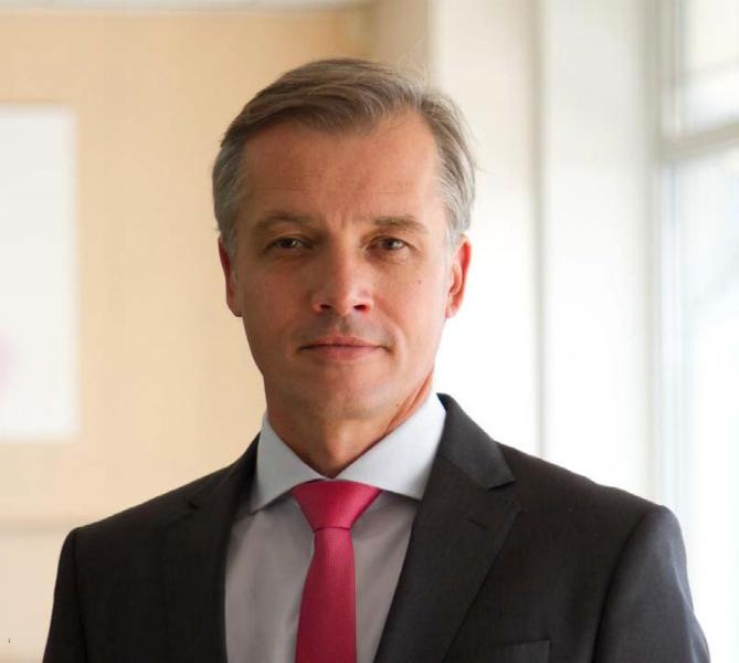 Uwe Fischer-w800-h600