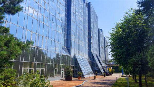 Das ehemalige Maritim Rhein-Main Hotel in Darmstadt wird künftig von der Plaza Hotelgroup betrieben und hat nach umfangreicher Modernisierung als Best Western Plus Plaza Hotel Darmstadt eröffnet. Foto: Best Western Hotels & Resorts